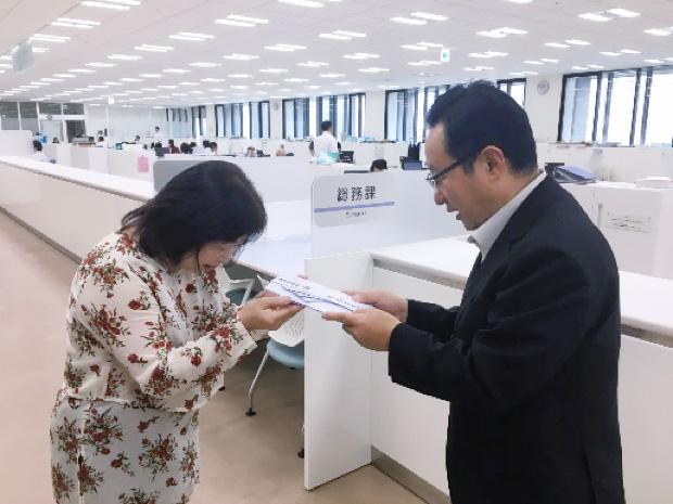 全国よりお寄せいただいた募金のうち100万円を広島県呉市に贈呈いたしました。