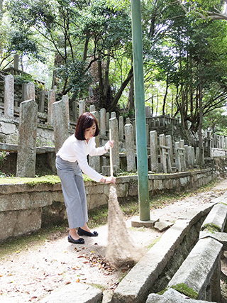 第103回京都霊山護国神社 清掃奉仕の会に参加。