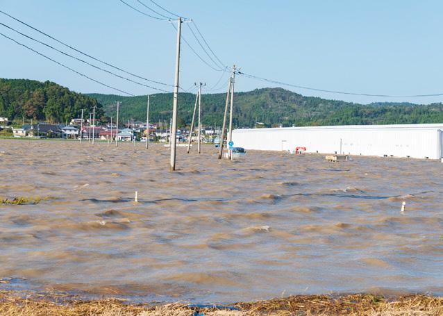 台風19号による大雨で増水し氾濫した吉田川(宮城県)(写真提供:ピクスタ